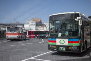 石山駅のバスロータリー